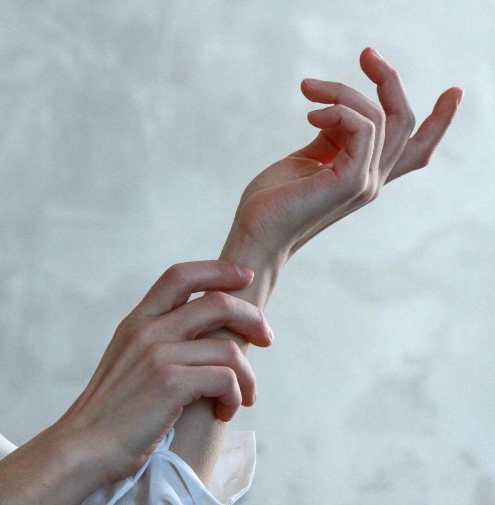 dry-skin-hands-1