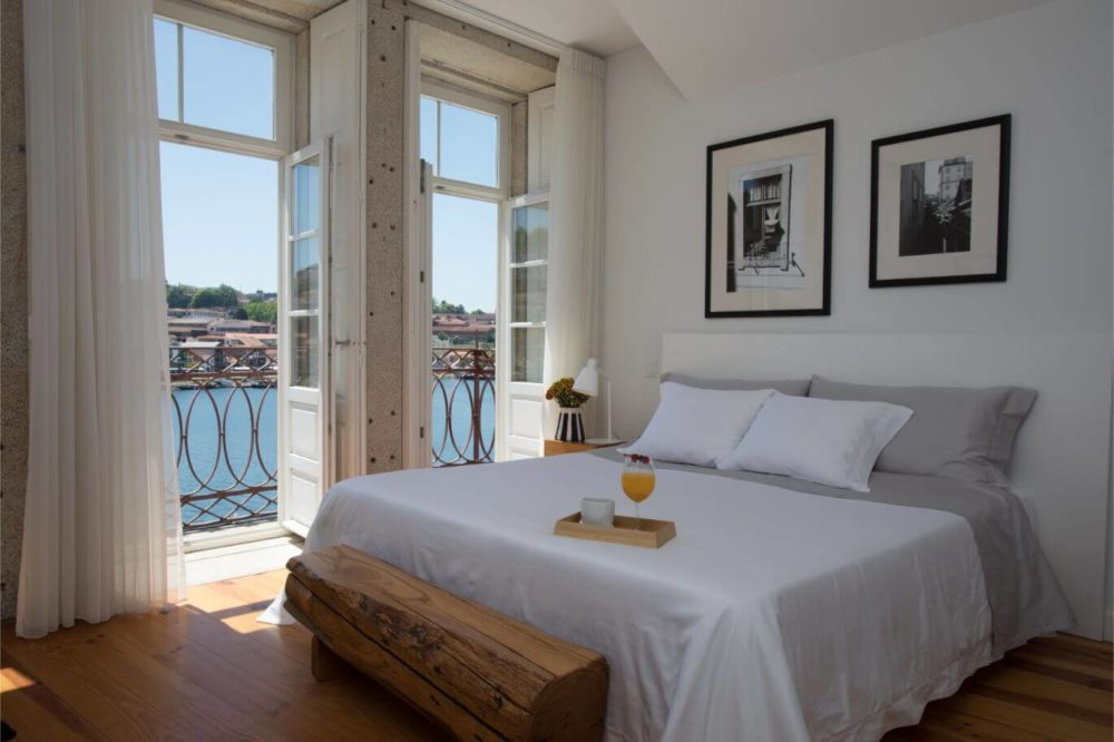 open-windows-for-sustainable-bedroom