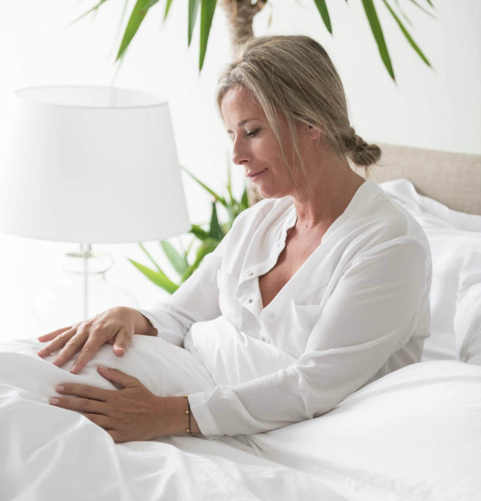 bright-white-bed-sheets-marialma-1