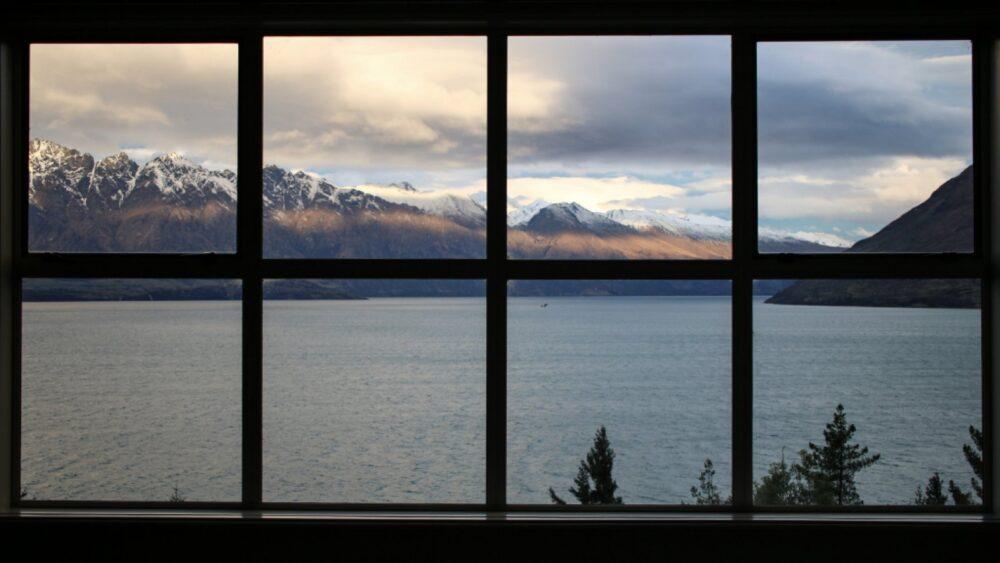 windows frame heat