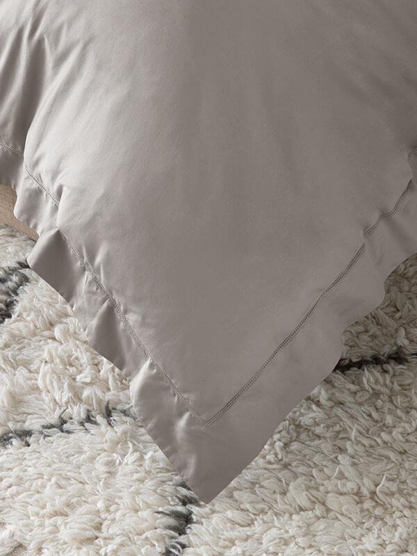 Detail of Marialma's Grey Sensitive Zinc Duvet Cover