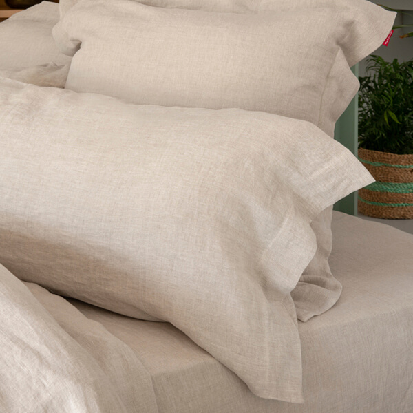 Bed with Marialma's natural hemp pillowcase set